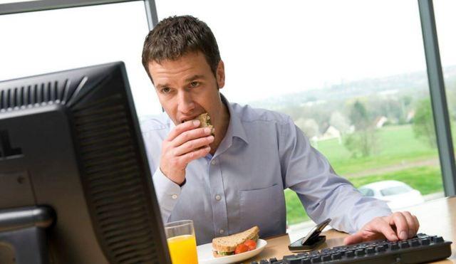 Перерыв в рабочее время по Трудовому Кодексу – что нужно знать обеим сторонам трудовых взаимоотношений