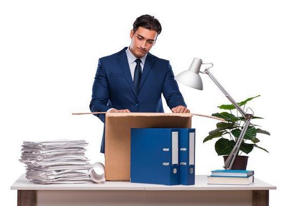 Какие документы должны выдать при увольнении и что делать, если их не выдают?