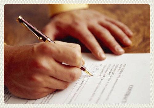 Как ИП нанять работника, какие взносы и налоги придется платить за него