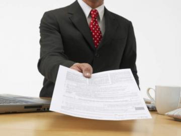 Шаблон заявления на увольнение: что нужно знать перед оформлением, на что можно ссылаться, какие сроки нужно выдерживать