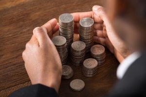 Зарплата: на сколько могут задержать и что грозит работодателю за задержку?