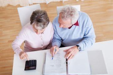 Как уволить пенсионера по инициативе работодателя и не нарушить закон: все о тонкостях и подводных камнях процедуры