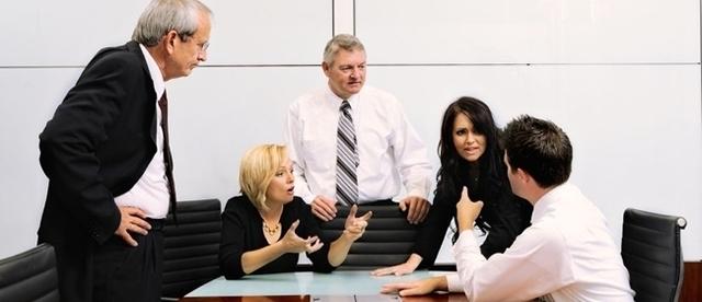 По чьей инициативе образуется комиссия по трудовым спорам и в каком порядке формируется
