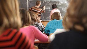 Особенности оплаты труда педагогических работников, применение надбавок и стимулирующих выплат