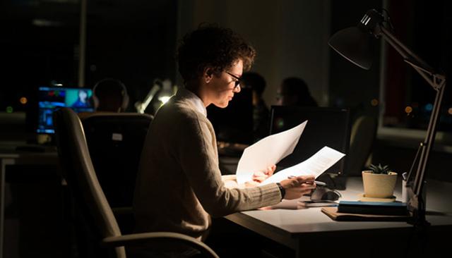 Работа в ночь для женщин: преимущества и недостатки
