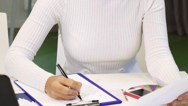 Заполнение трудовой книжки: процедура внесения сведений и примеры