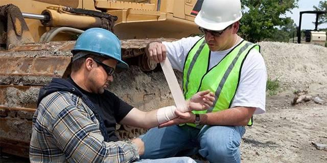 Производственная травма по вине работника: понятие, причины и последствия