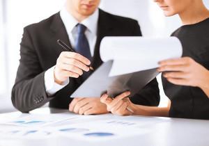Как составить приказ о стажировке вновь принятого работника и можно ли его корректировать