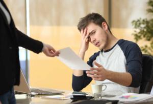 Процедура увольнения работника по инициативе работодателя: что нужно знать, чтобы разорвать трудовые взаимоотношения в рамках закона