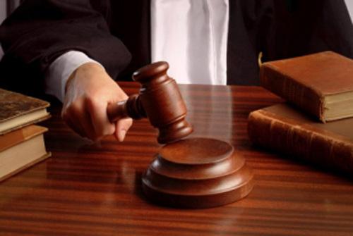 Взыскать материальный ущерб с работника — это значит действовать в соответствии с нормами закона