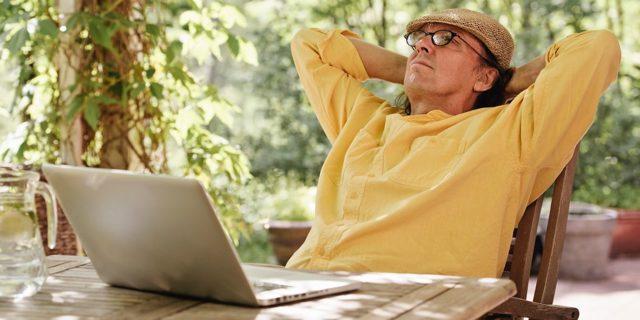 Сколько потеряет пенсионер в пенсии, если устроится на работу{q}