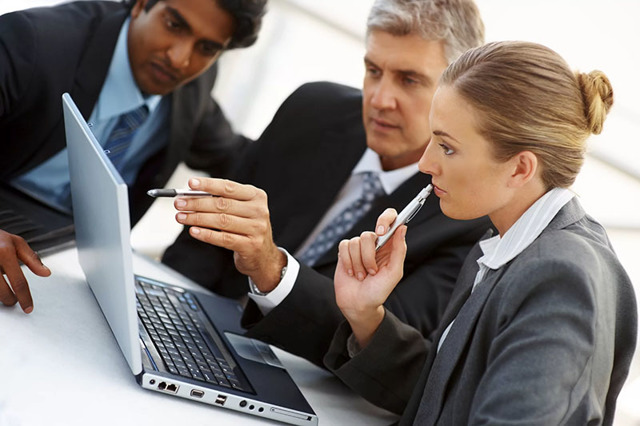Трудовые отношения между работодателем и работником: понятие, порядок оформления и особенности
