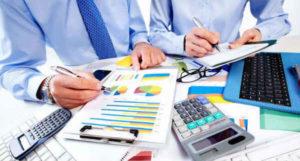 Как рассчитать среднедневной заработок при увольнении и какие выплаты при этом учитывать