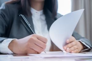 Заключение трудового договора на время декретного отпуска: как быть с основным работником