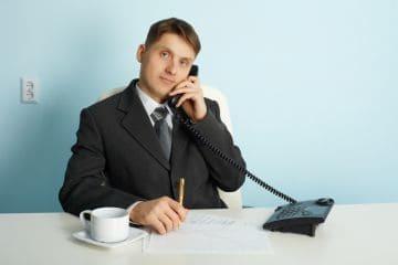 Перевод через увольнение: порядок, преимущества, компенсационные выплаты