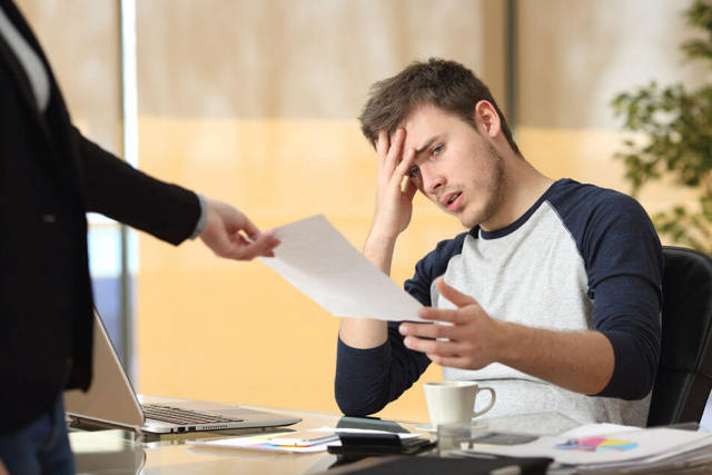 Что делать, если уволили по статье за прогул, как найти новую работу